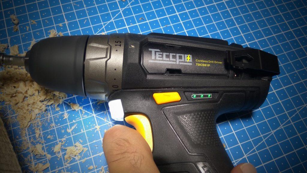 TECCPO TDCK01P – Trapano a batteria 12V - Led di carica