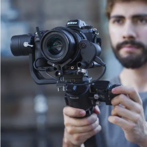 Focus Motor Motore esterno che si combina all'uso della manopola Focus Wheel per regolare la messa a fuoco della fotocamera